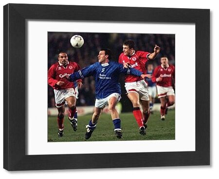 Birmingham's Steve Claridge bursts through the Middlesbrough defence during their Coca Cola Cup fourth round replay