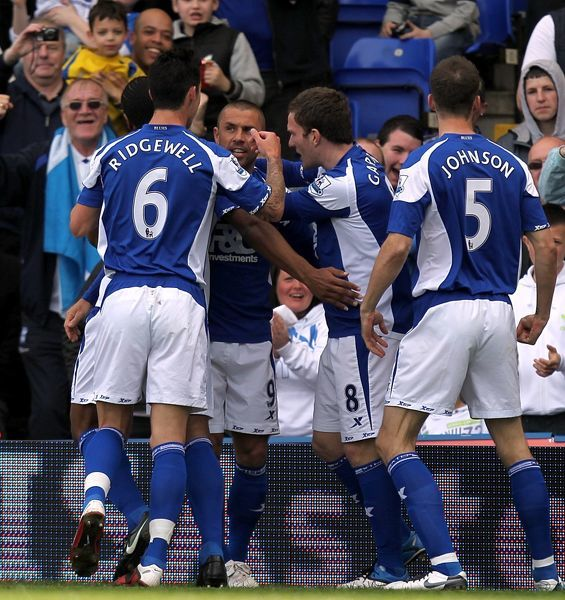 Birmingham City's Kevin Phillips (second left) celebrates scoring the opening goal