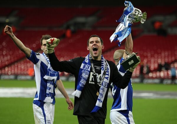 Birmingham City's Ben Foster celebrates winning the Carling Cup
