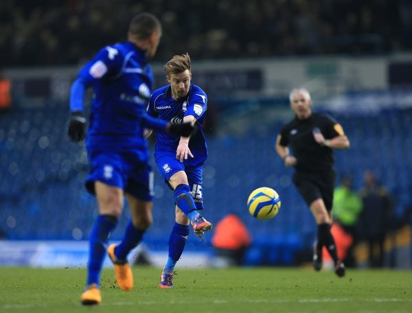 Birmingham City's Wade Elliott scores the first goal