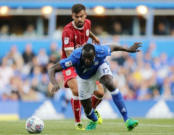 Birmingham City's Cheikh Ndoye (right) and Bristol City's Marlon Pack battle for the ball