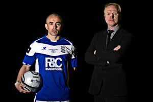 Stephen Carr and manager Alex McLeish (r), Birmingham City